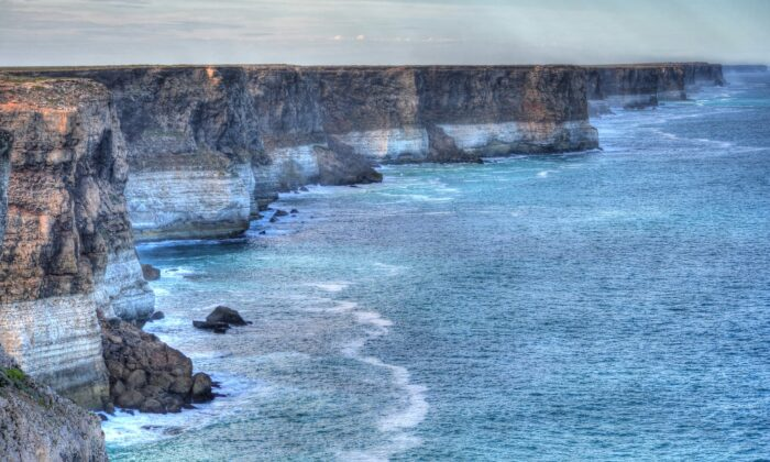 Great Australian Bight in South Australia. (Chris Fithall/CC BY 2.0 [https://creativecommons.org/licenses/by/2.0/])