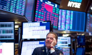Stock Markets Sink Deeper on Coronavirus Fallout