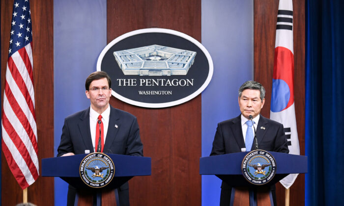U.S. Defense Secretary Mark Esper and South Korea's National Defense Minister Jeong Kyeong-doo participate in a news conference at the Pentagon in Washington, U.S., Feb. 24, 2020. (Erin Scott/Reuters)