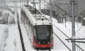 Ottawa's Light Rail Transit Leaves Thousands Stranded in Heavy Snow Story
