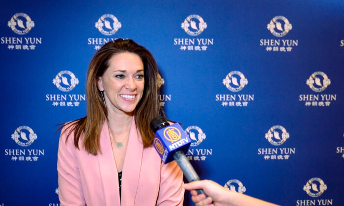 Best-Selling Business Coach Says Shen Yun Is 'a Must See—Multiple Times'