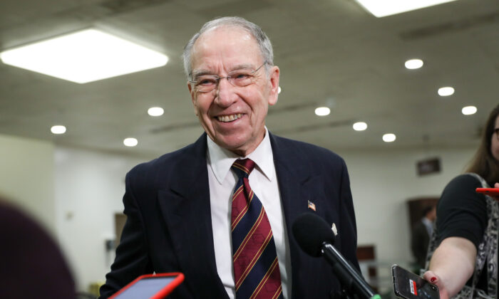 Sen. Chuck Grassley (R-Iowa) talks to media after the closing arguments of the impeachment trial of President Donald Trump in Washington on Feb. 3, 2020. (Charlotte Cuthbertson/The Epoch Times)