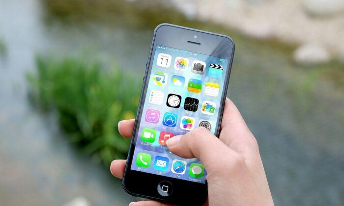 An iPhone in a file photo. (Jan Vašek/Pixabay)