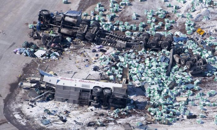 The wreckage of a fatal crash outside of Tisdale, Sask., is seen on April, 7, 2018. (Jonathan Hayward/Canadian Press)