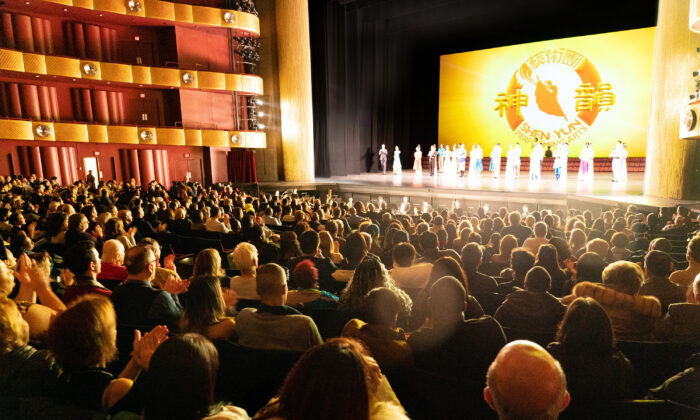 CFO: Shen Yun Is Beautifully Done, Poetic