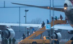 Plane Carrying Canadians from COVID-19-Stricken Grand Princess Cruise Ship Arrives in Canada