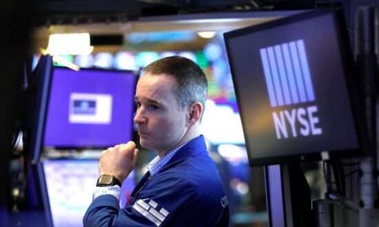US Stocks Plunge in Volatile Markets as Oil Price War Heats Up