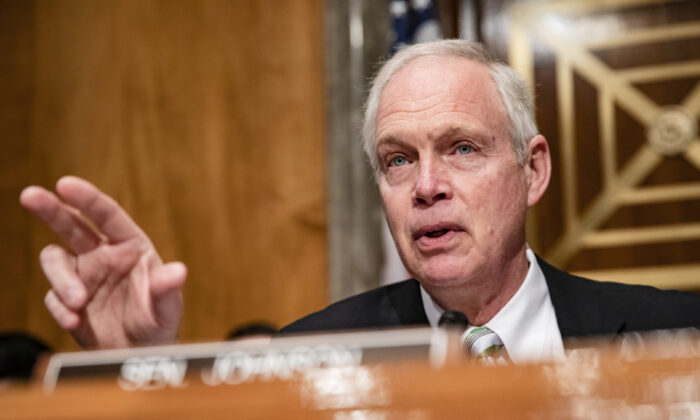 Chairman Ron Johnson (R-Wis.) speaks at the start of a Senate Homeland Security Committee hearing on the government's response to the CCP virus outbreak in Washington on March 5, 2020. (Samuel Corum/Getty Images)