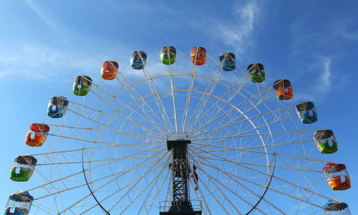 The ferris wheel at the 2012 Sydney Royal Easter Show at the Sydney Showground in Sydney, Australia on April 3, 2012. (Mark Kolbe/Getty Images)
