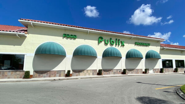General overall exterior view of Publix supermarket, in Royal Palm Beach, Fla.