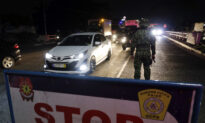 Thousands of Police Seal Philippine Capital to Fight Coronavirus