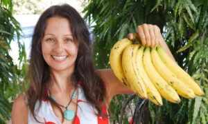 Woman Claims 12-Day Banana Detox Diet Transforms Her Skin, Mental Focus, Clarity, and Digestion