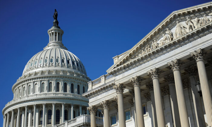 The U.S. Capitol dome and U.S. Senate (R) in Washington, on Aug. 2, 2011. (Reuters/Jonathan Ernst/File Photo)