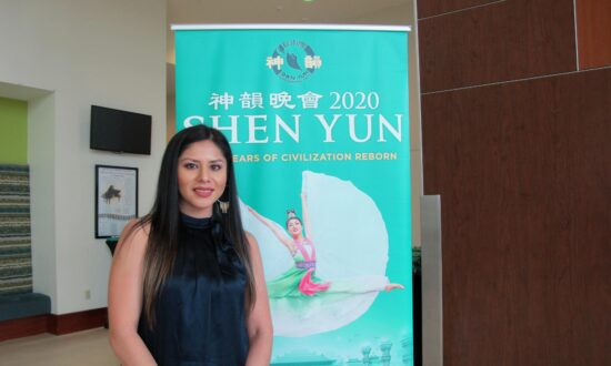 Interior Designer Encourages Shen Yun to Keep Going—'The Younger Generation Loves to See It'