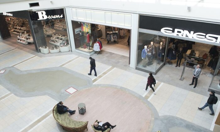 An almost deserted shopping mall in the Montreal borough of Pointe-Claire on March 14, 2020, as CCP virus cases rise in Canada and around the world. (The Canadian Press/Graham Hughes)