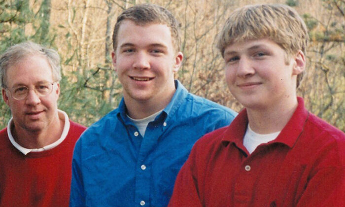(L-R) Steve M. Grant with his sons Chris and Kelly. (Courtesy of Steve M. Grant)