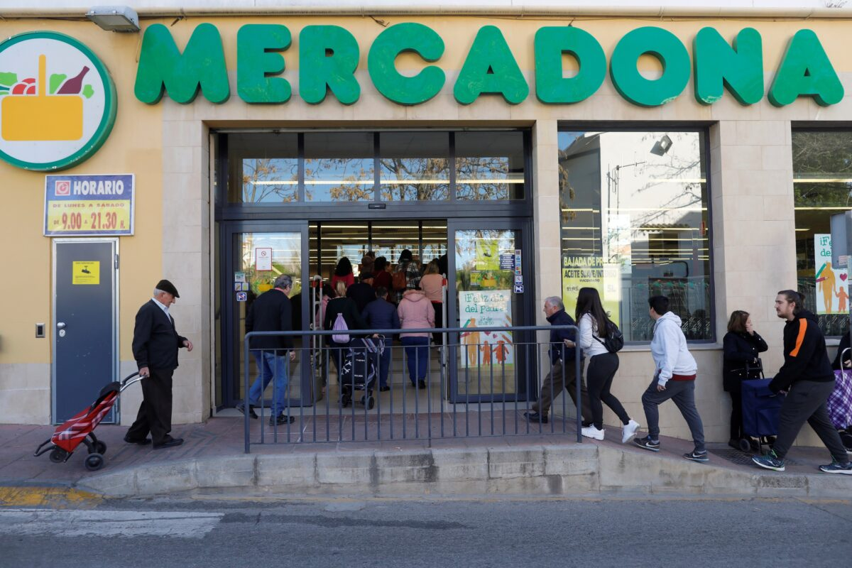 Spain's virus death toll shoots past 1,300