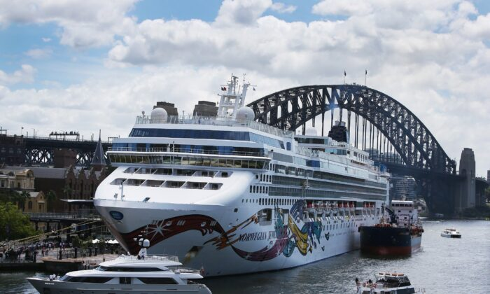 The Norwegian Jewel cruise ship is in lock down while health authorities test a man for Coronavirus in Sydney, Australia, on Feb.14, 2020. (Lisa Maree Williams/Getty Images)