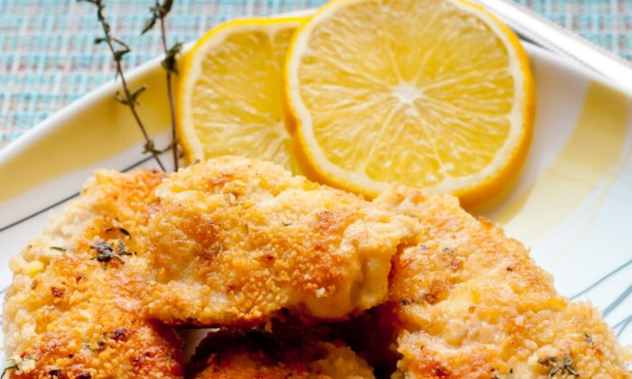 Homemade chicken nuggets. (Irina ShomovaShutterstock)