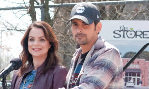 Country Singer Brad Paisley's Free Grocery Store Will Deliver Food to the Elderly During Virus Outbreak