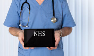 More Than 7,500 Clinicians in the UK Respond to Rejoin NHS to Tackle CCP Virus