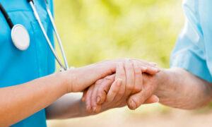 Frontline Nurse Asks Asymptomatic People to Be Understanding During CCP Virus Outbreak