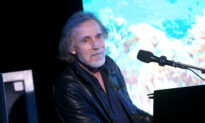 Jackson Browne Tests Positive for CCP Virus