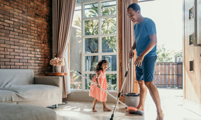 Manage the mess through structured pick-up times and by having kids do chores. (Odua Images/Shutterstock)