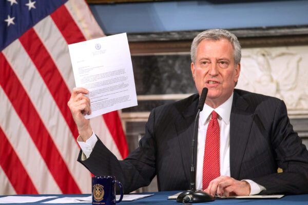 NYC Residents Should Cover Face When in Public, Mayor Says