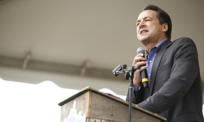 Montana Gov. Steve Bullock speaks during his campaign for president on Oct. 5, 2019. (Brian Blanco/Getty Images)
