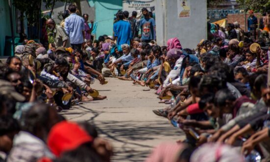 Social Workers in India's Capital Raise Concerns as COVID-19 Shutdown Sparks Massive Exodus
