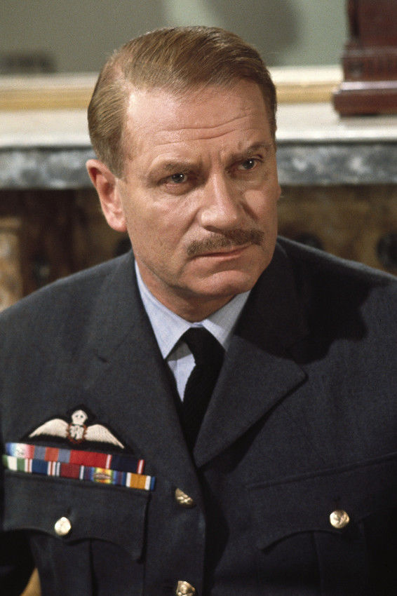 Sir Lawrence Olivier in Battle of Britain
