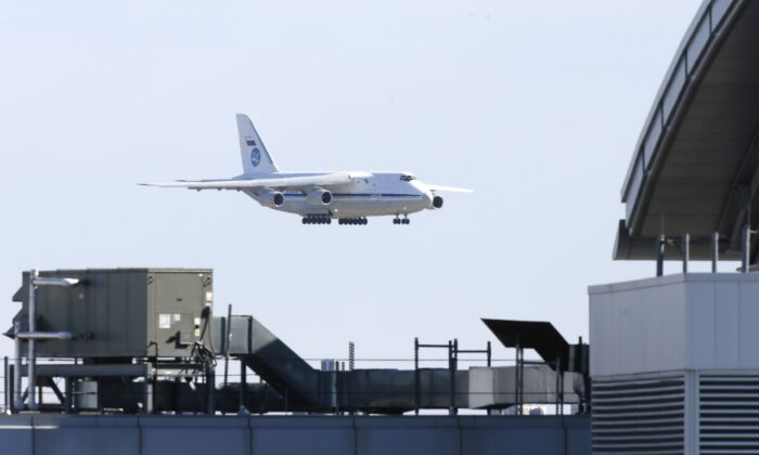 A Russian military transport plane carrying medical equipment, masks and supplies lands at JFK International Airport during the outbreak of the CCP virus disease (COVID-19) in New York City, New York, U.S., April 1, 2020. (Stefan Jeremiah/Reuters)