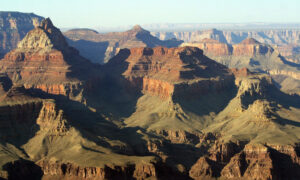 Grand Canyon Park Closes Indefinitely as CCP Virus Cases Surge