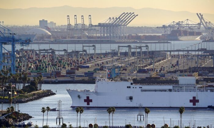 The USNS Mercy enters the Port of Los Angeles in Los Angeles, California on March 27, 2020. (Mark J. Terrill/AP Photo)