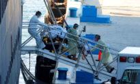 CCP Virus-Stricken Cruise Ships Dock in Florida