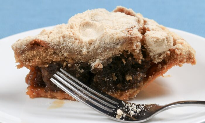 Shoofly pie, a traditional molasses-laced Pennyslvania Dutch dessert. (George Sheldon/Shutterstock)