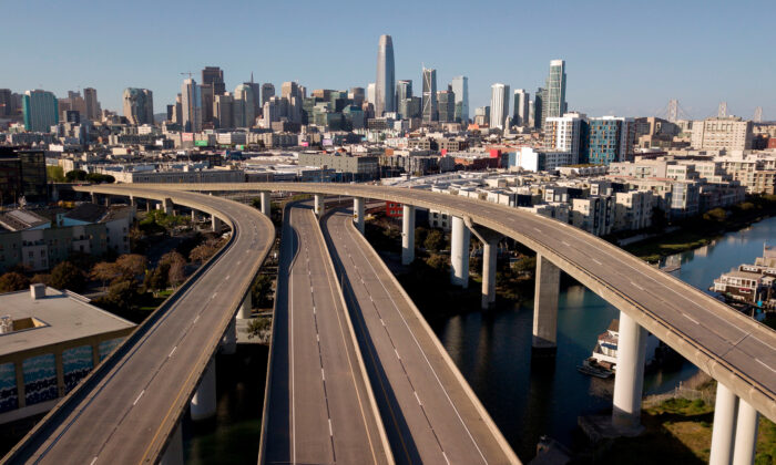 An interstate sits empty in San Francisco, Calif., on April 1, 2020 during the COVID-19 crisis. (Josh Edelson/AFP via Getty Images)