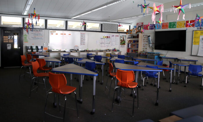 A classroom sits empty at Kent Middle School in Kentfield, Calif., on April 01, 2020. (Justin Sullivan/Getty Images)
