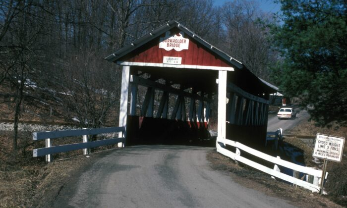 The Burkholder Bridge is seen in Brothersvalley Township, Somerset County, Pennsylvania, on May 22, 1970. (Jerrye & Roy Klotz MD/Wikimedia Commons)