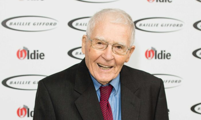 James Lovelock attends The Oldie of the Year Awards at Simpson's in the Strand in London, UK, on Feb. 7, 2017. (Jeff Spicer/Getty Images)