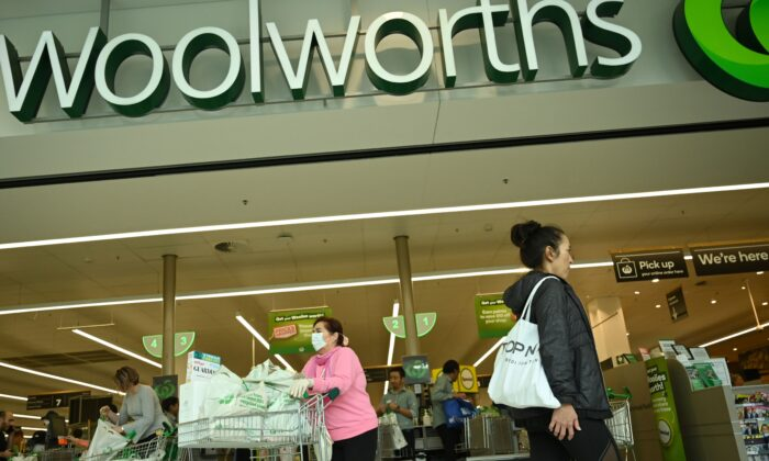 People shop at a Woolworths supermarket in Sydney, Australia, on March 17, 2020. (Peter Parks/Getty Images)