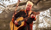 Country Folk Singer John Prine Dies at 73 of CCP Virus Complications: Report