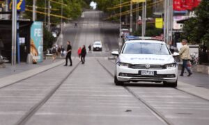 Extra Police, $1600 Quarantine-Violation Fines Added to Victorian Roads Over Easter