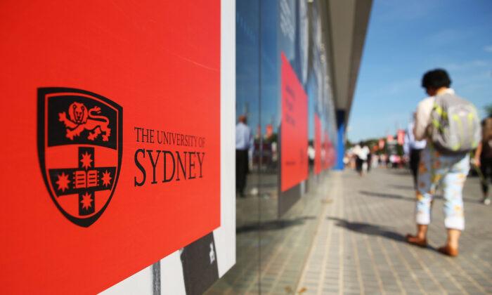 Students walk around Sydney University on April 6, 2016. (Brendon Thorne/Getty Images)