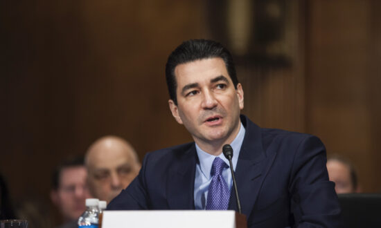 Former FDA Chief Says Social Distancing Mandate 'Wasn't Based on Clear Science'