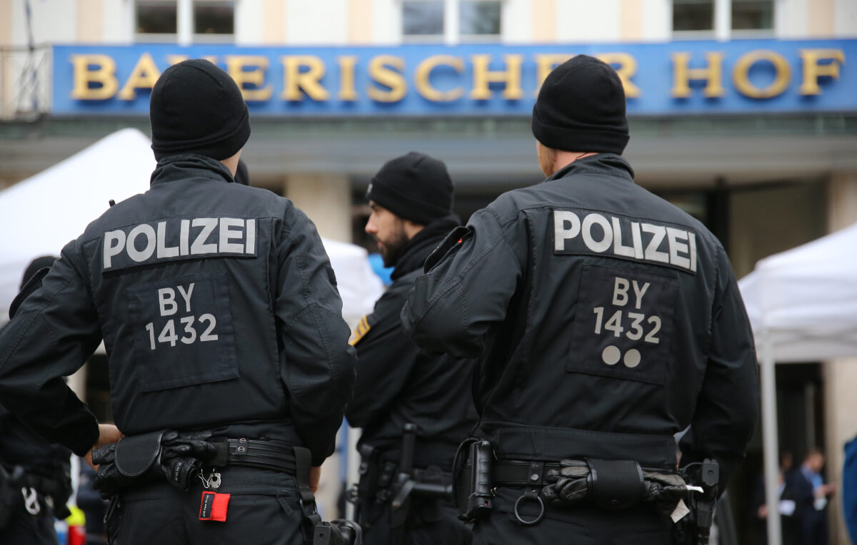 Germany arrests 5 Tajiks in suspected IS terror cell