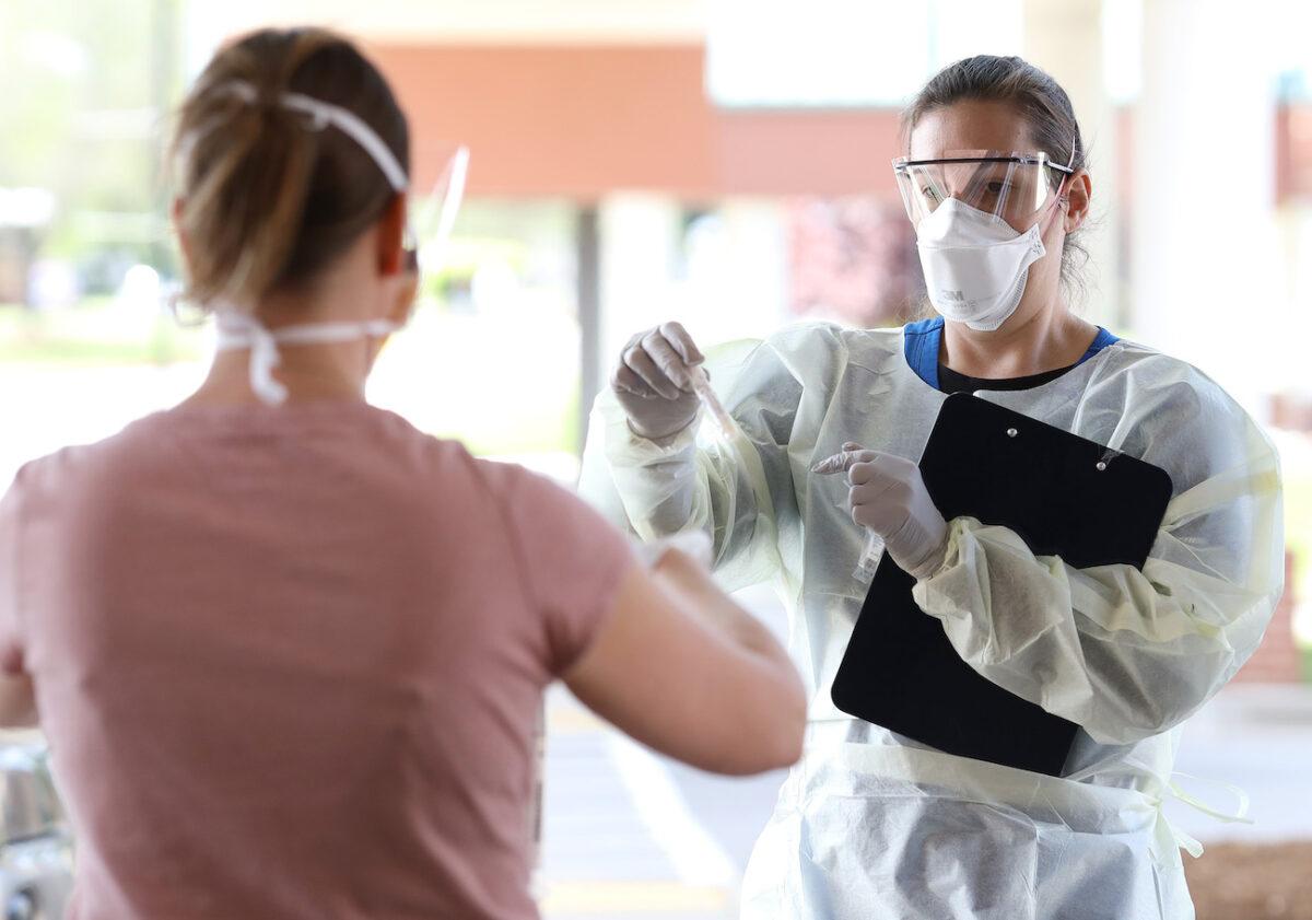 nurse COVID-19 testing