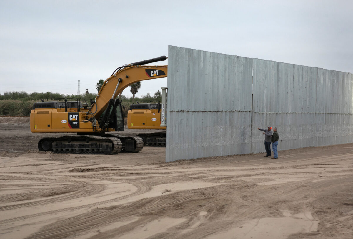US border wall construction