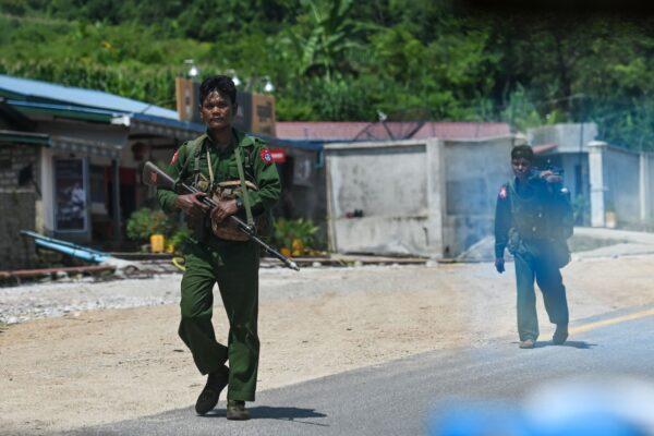 MYANMAR-UNREST-FIGHTING-REBELS